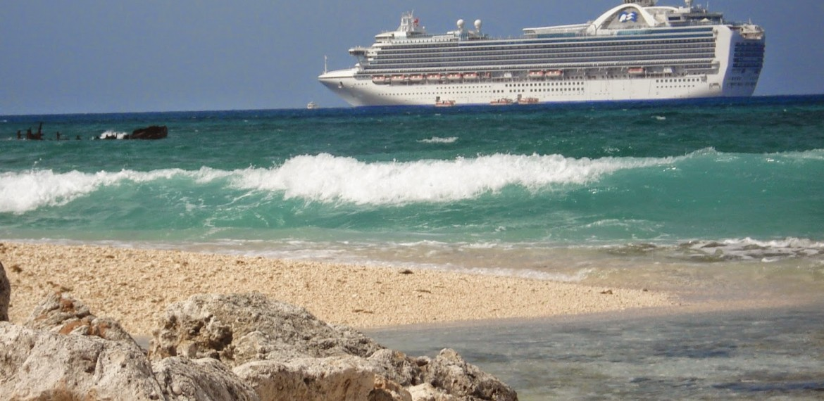 10 Reasons to Work on Cruise Ships