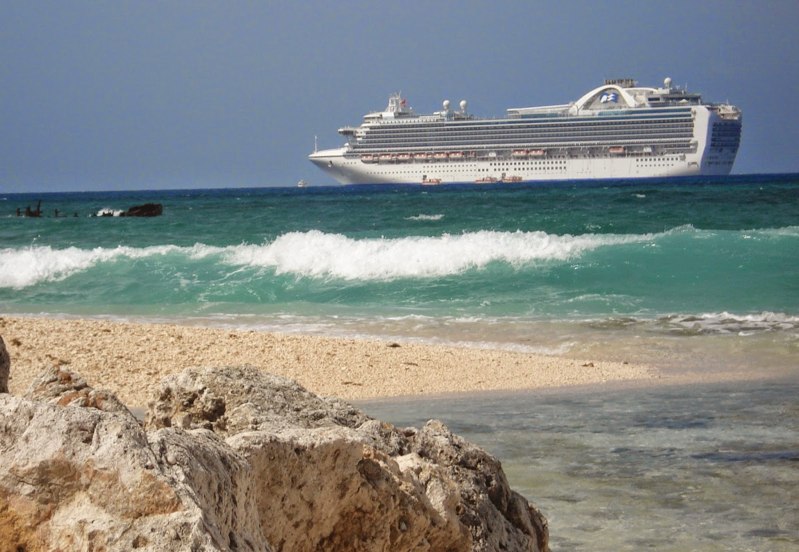 10 Reasons To Work On Cruise Ships - Love Live Travel