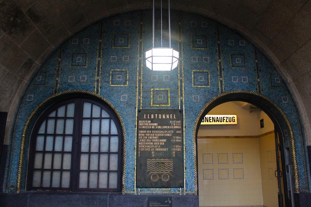 0 Hamburg 18