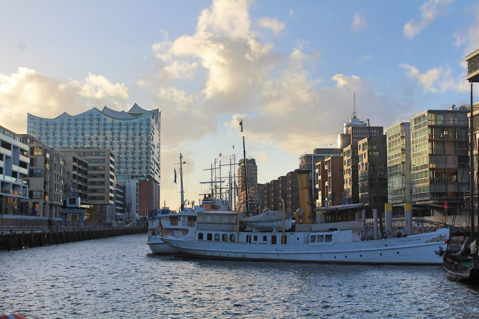 Exploring hamburg the harbour city love live travel for Hippes hotel hamburg